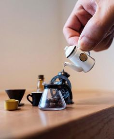 Little miniature Kalita pour Over Set! | TAG a Friend Below Shop Kalita @alternativebrewing Link in Bio Same Day Dispatch | by @hisaofurukawa