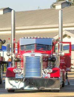 Old school red Peterbilt
