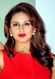 Huma Qureshi makes a bold statement on the cover of Femina and looked red hot at the unveiling Indian Bollywood Actress, Bollywood Girls, Beautiful Bollywood Actress, Most Beautiful Indian Actress, Indian Film Actress, Indian Actresses, Bollywood Fashion, Beautiful Long Hair, Beautiful Gorgeous