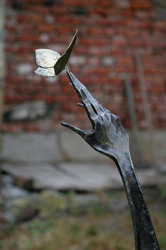 Sculpture detail. Artist unknown.