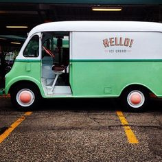 Love, love this 1950's Metro step van ice cream van of @helloitsicecream from Ann Arbor Michigan.  pic by @hellopidgepidge