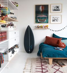 Lou's room, 12 years old – jesus-sauvage Room Design Bedroom, Boys Bedroom Decor, Kids Room Design, Bedroom Furniture, Wooden Furniture, Kids Playroom Colors, Boy Room, Room Inspiration, Home Decor