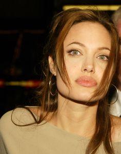 Angelina Jolie Makeup, Angelina Jolie Pictures, Brad And Angelina, Shiloh Jolie, Jolie Pitt, World Most Beautiful Woman, Hollywood Men, Miranda Kerr, Brad Pitt