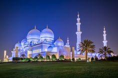 Sheikh Zayed Grand Mosque, Abu Dhabi, United Arab Emirates - The...