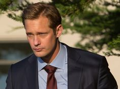 """HBO.com: still of Alexander Skarsgård as Perry Wright in Big Little Lies Video clip: Big Little Lies: Celeste & Perry (HBO) in 01 - """"Somebody's Dead"""""""