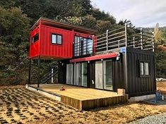 Pretty Small House Design Architecture Ideas Small is in. The small house design requires more creativity to provide everything you want in a smaller space. Building A Container Home, Container Buildings, Container Cabin, Container Office, Cargo Container Homes, Shipping Container Home Designs, Shipping Containers, Small House Design, Tiny House Living