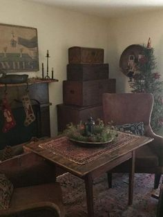 Prim Decor, Country Decor, Primitive Decor, Country Living, Keeping Room, Primitive Furniture, American Life, Early American, Primitive Christmas