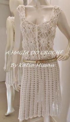 Vestido com Flores de Crochê - Vestido Innamorata (A MAGIA DO CROCHÊ)