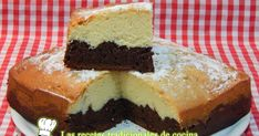 Chocolate y tradicional 😆dos en uno❤❤ Dessert Recipes, Desserts, Donuts, Cheesecake, Cooking Recipes, Sweets, Food, Gastronomia, Sweet And Saltines