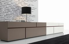 Looking for design furniture Made in Italy? Interni is an authorized Poliform dealer and an international reference model.