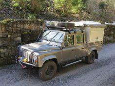 //Land Rover Defender 130  silkroadtrip.ch