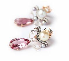 Pretty Little, Pearl Earrings, Pearls, Jewelry, Freedom, Boucle D'oreille, Locs, Ears, Jewellery Making
