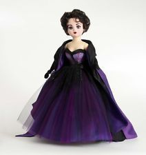 "Madame Alexander Doll Timeless Beauty Violet Cissy 21"" REMINDS ME OF ELIZABETH TAYLOR"