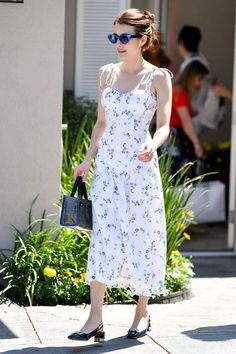 Cute Summer Dresses One of the best things about summer is the freedom it gives especially when it comes to wearing dresses. This is the season you can rock that little pretty dress that you have b… Floaty Summer Dresses, Pretty Dresses, Looks Style, Street Style Looks, Sonakshi Sinha, Shilpa Shetty, Celebrity Dresses, Celebrity Style, Emma Roberts Style