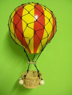 Balão em cabaça modelo Vitoriano. Tamanho pequeno R$ 100,00