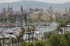 Blick auf den Hafen Port Vell in Barcelona