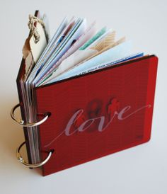 Reaves, party of four: Jamaica : a love + travel mini book. This is how you do a travel mini album, superb job by Nicole Reaves. Mini Scrapbook Albums, Mini Albums, Honeymoon Album, Ballet Crafts, Swag Ideas, Love Fest, Perfect Planner, Mini Album Tutorial, Travel Party