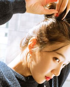 Check out Black Velvet @ Iomoio Kpop Girl Groups, Korean Girl Groups, Kpop Girls, Red Velvet Joy, Black Velvet, Seulgi, Rapper, Red Velvet Photoshoot, Queens