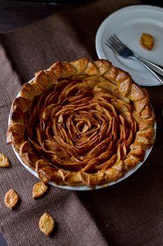 Knitty baker: Open-Faced Designer Apple Pie