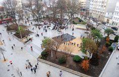 Remodelación de la Plaza de España-La remodelación ha supuesto la reordenación del tráfico en la zona y la peatonalización de la vía sur para crear un corredor peatonal hasta la plaza del Cuartel de Atocha. AUTOR: Carlos Pardellas