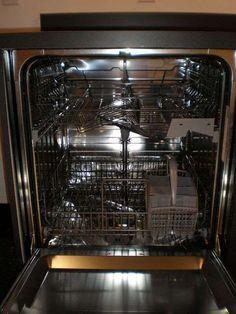 Disse 2 ingredienser fra køkkenskabet gør din opvaskemaskine så god som ny