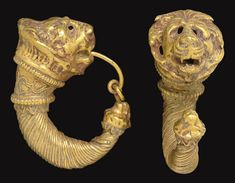 A PAIR OF GREEK GOLD DOUBLE LION-HEAD EARRINGS   CLASSICAL PERIOD TO HELLENISTIC PERIOD, CIRCA 4TH CENTURY B.C.