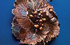 Geranium Array.  Find more projects on ArtJewelryMag.com