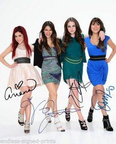 Ariana Grande, Victoria Justice, Liz Gillies, and Daniella Monet