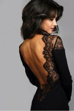 Черное кружевное коктейльное платье с открытой спиной