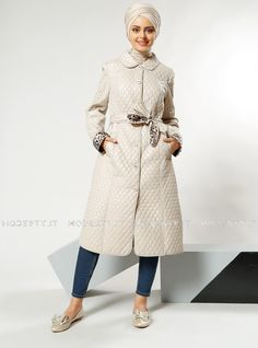 islamische kleidung fuer frauen mymodestystyle.com besuchen sie unsere shop #hijab #abayas #tuekische kleider #abendleider #islamischekleidung  Quilting Topcoat - Beige - Refka - <p>Fabric Info:</p> <p>100% Polyester</p> <br> <p>Full Lined</p> <p>Weight: 0.922 kg</p> <p>Measures of 40 size:</p> <p>Height: 109 cm</p> <p>Bust: 94 cm</p> <p>Waist: 92 cm</p> <p>Hips: 116 cm</p> - SKU: 232193. Buy now at http://muslimas-shop.com/quilting-topcoat-beige-refka.html