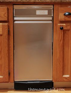 Turning White Appliances into Stainless Steel for $25! via TheKimSixFix.com