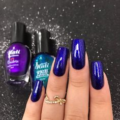 """ametista púrpura"" + ""lista vip"" da @naticosmetica 💙 aquela misturinha de valor ✨ Simple Nail Art Designs, Easy Nail Art, Nail Designs, Garra, Bright Summer Nails, Beautiful Nail Polish, Health And Beauty Tips, Perfect Nails, Blue Nails"