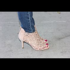Sole Society Nude Caged heels True to size. Suede on the outside. True to size. Low Heels, Shoes Heels, Nude Shoes, Shoe Tray, Caged Heels, Long Bangs, 2 Inch Heels, Nude Color, Beautiful Shoes
