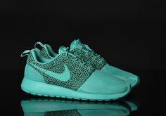 #Nike Roshe Run Premium «Safari» Pack