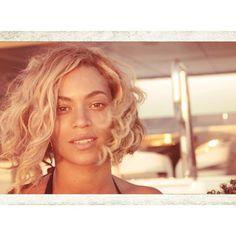 De wavy bob is wat ons betreft dé haartrend voor het nieuwe seizoen. Let's get wild. A la Beyoncé.
