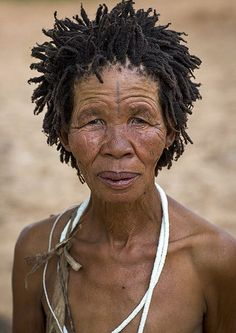Bushman Woman With Traditional Hairstyle, Tsumkwe, Namibia… African Hairstyles, Short Hairstyles For Women, Prom Hairstyles, Mohawk Hairstyles, Updo Hairstyle, African Tribes, African Women, Himba People, Curly Hair Styles