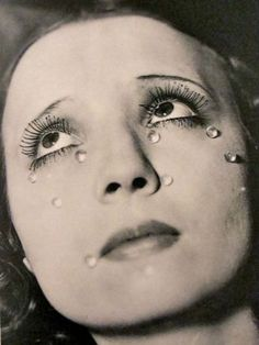 Man Ray - Tears, 1930 photographe surréaliste http://manufactureduregard.tumblr.com/post/59476514059/man-ray-photographe-surrealiste-photographe
