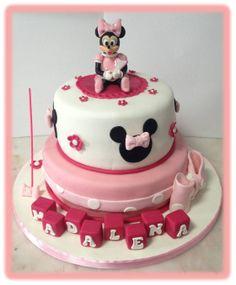 Bolo Minnie 1º aniversário