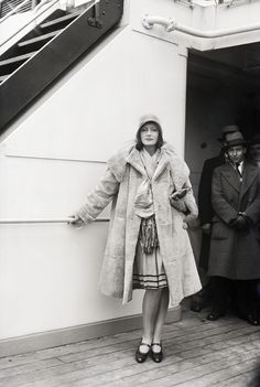 Greta Garbo first befriended Salvatore Ferragamo in 1927 Hollywood where he created custom shoes for the Hollywood actress. © Bettmann/Corbis/Contrasto