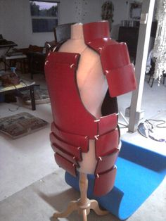Finally finished my armor for my Madara Uchiha cosplay. Cosplay Armor, Cosplay Diy, Cosplay Costumes, Ninja Armor, Samurai Armor, Madara Uchiha, Naruto, Suit Of Armor, Body Armor
