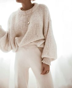 Winter fashion 633600241311062266 - Frau Seytschlife Source by laure_rivail Edgy Photography, Clothing Photography, Photography Outfits, Mode Outfits, Winter Outfits, Summer Outfits, Vêtement Harris Tweed, Look Fashion, Womens Fashion