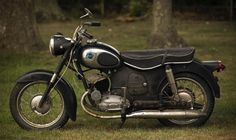 This well-worn twingle (the smaller of Sears/Allstate/Puch's offerings) has an incredible amount of patina but it's claimed to run and drive very well thanks to a recent top end rebuild.
