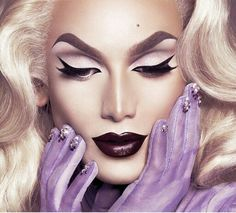 Drag queens need to work hard to look good, and their beauty tips can help anyone. Try some of the best beauty tricks from the queens of RuPaul's Drag Race. Makeup Inspo, Makeup Inspiration, Makeup Tips, Beauty Makeup, Eye Makeup, Makeup Shayla, Fairy Makeup, Mermaid Makeup, Makeup Trends
