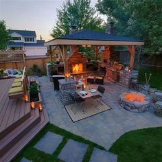 McAravey Property - outdoor living has it all a few steps from indoors | Paradise Restored | Portland, OR | paradiserestored.com #OutdoorsLiving