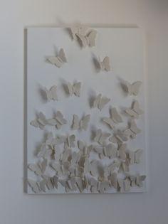 porseleinen vlinder schilderij www.marionkeramiek.nl Diys, Butterfly, Pottery, Frame, Crafts, Decor, Pintura, Cold Porcelain, Board