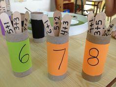 Material de suma con rollos de papel y palitos Ks1 Maths, Preschool Math, Kindergarten Math, Fun Math, Early Learning, Fun Learning, Teaching Kids, Math Projects, School Projects