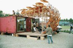 De Parasol tijdens Parasite Paradise (2003). Foto: Ralp Kämena