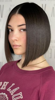 This is it ladies! The cutest blunt cut bob haircuts are right here. Click here to see them before your next haircut! (Photo credit IG @zammitneville) Short Hairstyle, Hairstyle Ideas, Latest Hairstyles, Bob Hairstyles, Girly Stuff, Girly Things, Blunt Bob Haircuts, Blunt Cuts, Face Shapes
