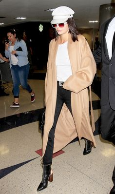 If you love Kendall Jenner's style and fast fashion, today's story is just for you.