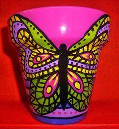 macetas pintadas - Buscar con Google Painted Pots, Pottery Painting, Terracotta Pots, Clay Pots, Garden Pots, Flower Pots, Fun Crafts, Cactus, Planters